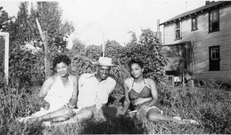 Morris Crump with Getrude Brooks &Viola Brooks in yard of Brooks House.